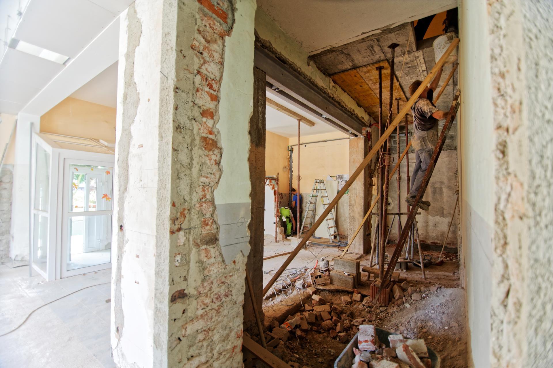 Obras e Reconstrução
