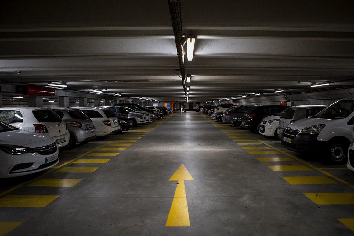 Porto quer oferecer uma hora de estacionamento para apoiar comércio de rua